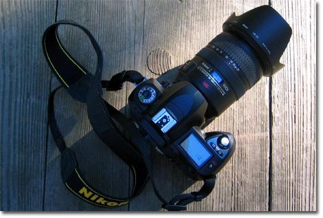 久しぶりにVR24-120mmを付けたD70。でかいなぁ・・・