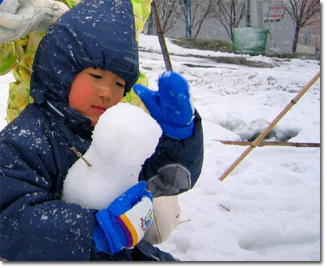 寒さとは無関係に,自分の世界に入っているユウキチ。目が幸せそう・・・