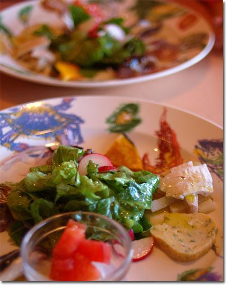 前菜の盛り合わせ。魚の刺身にオリーブオイルが意外とおいしかった~