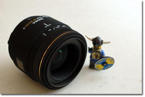 コンパクトなSIGMA MACRO 50mm