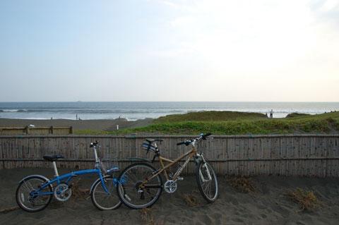 奥さま号&おいら号@辻堂海岸。今日は一日,海辺でした・・・。
