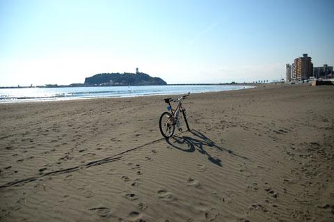 静かな片瀬海岸。