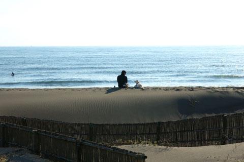 本日一番のお気に入り写真。平日午後の辻堂海岸。