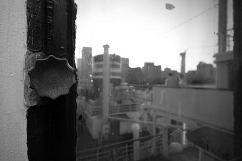 窓の取っ手ですら,なんとなく歴史を感じさせます。