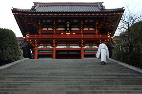 今年初の鶴ヶ丘八幡宮です。