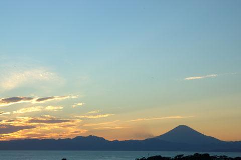 これは三浦の「ソレイユの丘」から。冬は空気が澄んでいて富士山がきれいです。