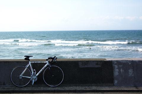 帰りには,お気に入りの七里ヶ浜の駐車場で一休み。