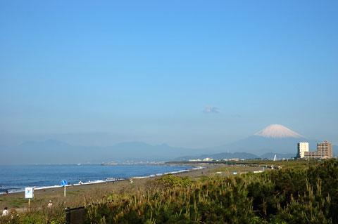 帰りがけには思いがけず富士山に遭遇。ウレシイ~