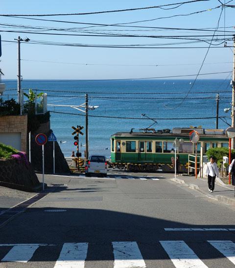 いわゆる「湘南の写真」です。鎌倉高校のところの坂です。