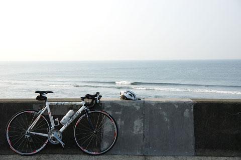 いつもの七里ヶ浜。やっぱり,晴れた早朝は気分爽快~♪