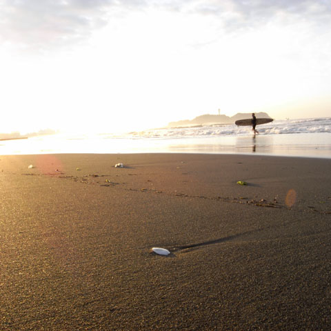 片瀬海岸にて。1:1フォーマットはなぜか新鮮♪ 【フォトアルバムはこちら~】