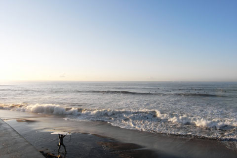 おぉ~, 良い天気~! いっちょ,海の向こうの佐島まで行ってみるか!