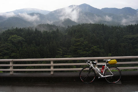 さぁ,藤沢まであと90kmだ。がんばれ,俺&RHC号!