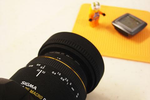 SIGMA(50mmマクロ)でSIGMA(サイコン)を撮る,の図。