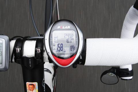 心拍158,ケイデンス89で,24kcal/kmでした。でも,この心拍を維持するのはしんどい……。