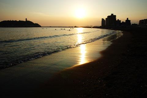 夕方,波が静かになると,鏡のようになります。