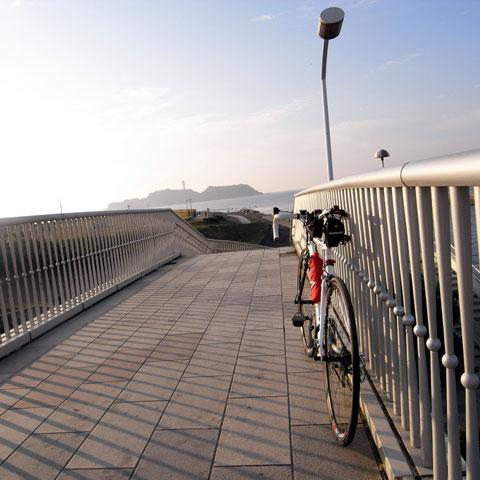 欄干があるので自転車も撮りやすいのです(^^)