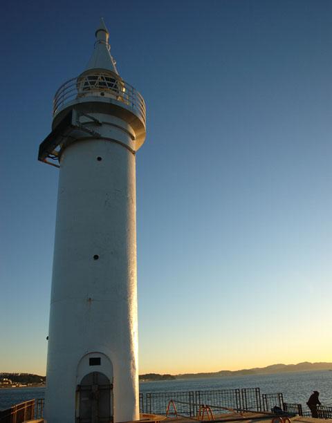 この日は珍しく,江ノ島の灯台まで行ってみました。しかし,綺麗な空だなぁ……。