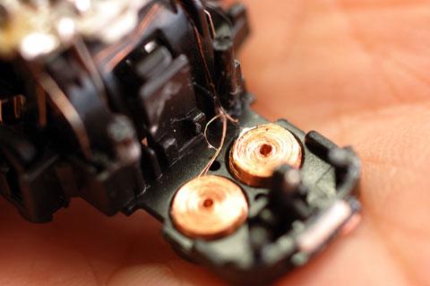 コイルを元通りの位置に戻して,とりあえず,電気的には修理完了!