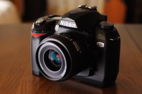 やはり,D70にはAF35mm,単焦点レンズが似合います。