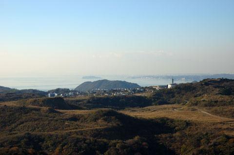 三浦半島最高峰「大楠山」から,我が家のある江ノ島方面を望む。