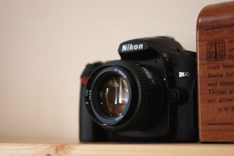 これが,もう一つの要因,新しいカメラD90です・・・(^^)
