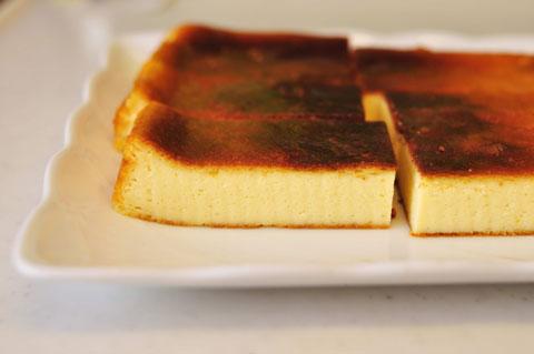 デザートはチーズケーキ。ツマ担当。
