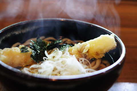 昼=うどん,夜=ほうとう。麺類ばかりの前日食事でした(^^)