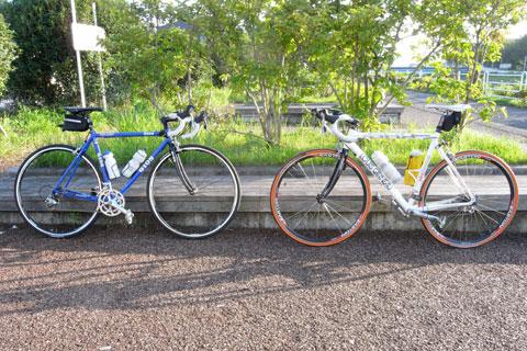 本日のスタート地点,境川CRの藤沢側出口。とても爽やかな天気(^^)