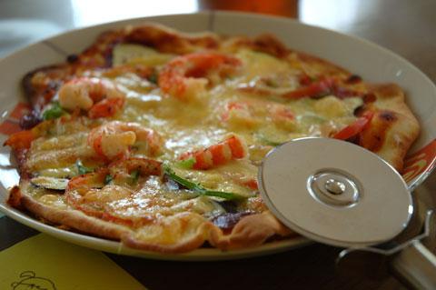 これは,パイじゃなくてピザ。最近,あまり作ってないなぁ・・・。
