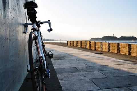 本文とは関係ありませんが,先週のRHC号。江ノ島界隈ももうすぐ秋だなぁ・・・。