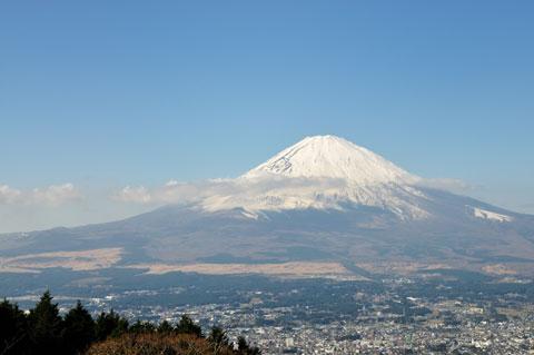 おぉ~,FUJIYAMA!! 乙女峠からの眺望です。あ~,自転車で下りたい・・・。
