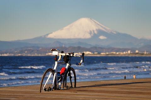 まるでお正月のようなおめでたさです。いいなぁ,冬の富士山は。