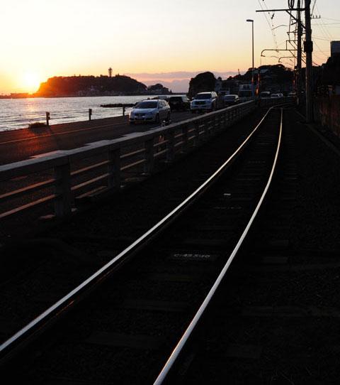 江ノ電鎌倉高校前駅付近。あ~暮れる~
