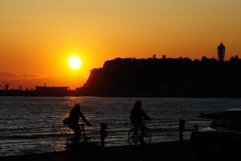 稲村ヶ崎への道中,七里ヶ浜付近で日が落ちてしまいました(涙)