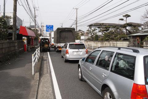 国道1号。渋滞しているし,見所もなく,つまらない限り・・・。