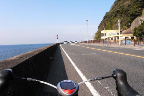 山もいいけど,海辺の道も楽しい。晴れた日のR134は爽快です(^^)