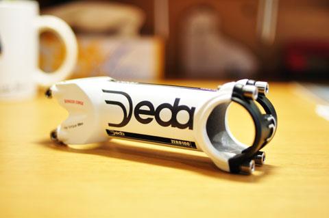 我が人生で3個目のステム購入は,DEDA ZERO 100 SCです。なんか,変な名前だけど。