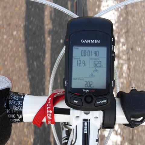 上の自転車がトレーナー,下がおいら。現在,おいらが200mほどリード。がんばれ~(^^)