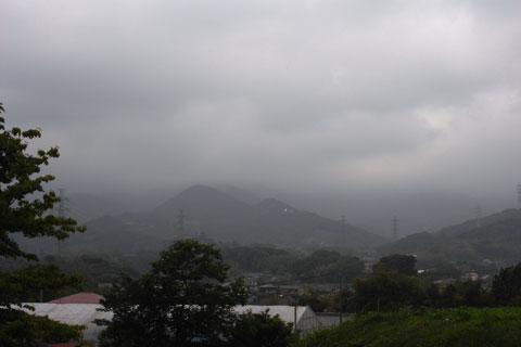 ま~た,こんな天気。前回より悪くない?