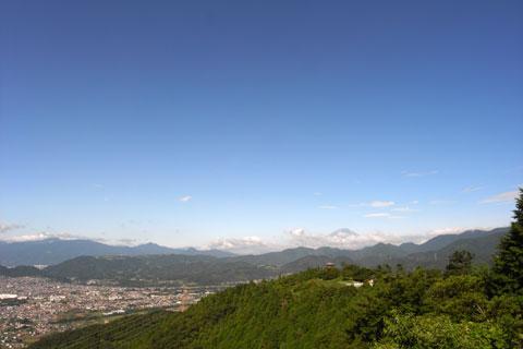 こんな景色を見るだけでも,挑戦する価値ありです(^^) いいなぁ,ヤビツは。