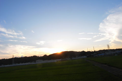 日が暮れる~(っていうか,暮れている)
