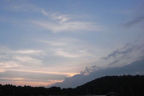 帰るころになって,ようやく富士山が少しだけ顔を出しました。また来るよ~!
