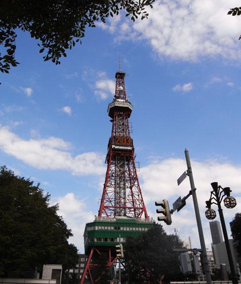 6月,7月にも見ましたが,またもTV塔にこんにちは(^^)