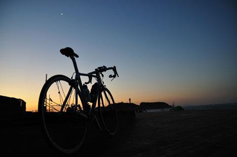 1月9日に初乗り。早起きしすぎて,星が出ている・・・。