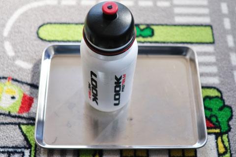 パンク修理セット1式は,ボトルにすっぽり入ります(^^)