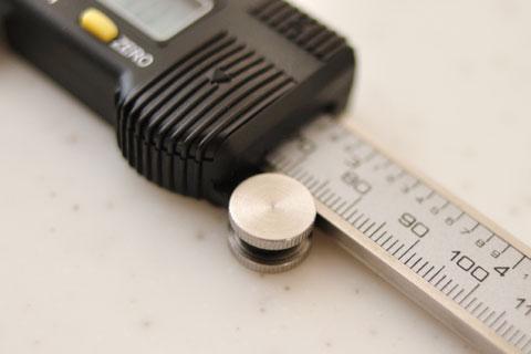 微動用ローラー。コロコロまわすと,測定部分がゆっくりと動いてくれます(^^)