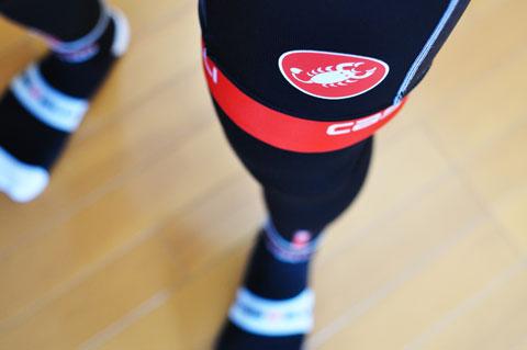 この夏は,このサソリマークで走りました(^^) 地味なブラックに赤いラインとサソリがポイントです。
