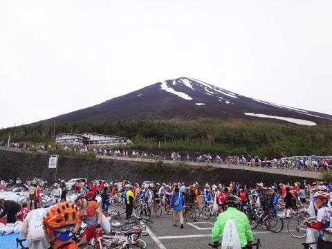 今年も自転車でこんなにたくさんの猛者が集まりました