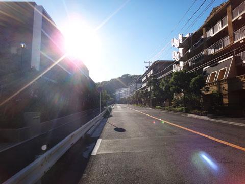 源氏山TTのスタートは東向きなので,早朝はいつもまぶしい・・・。